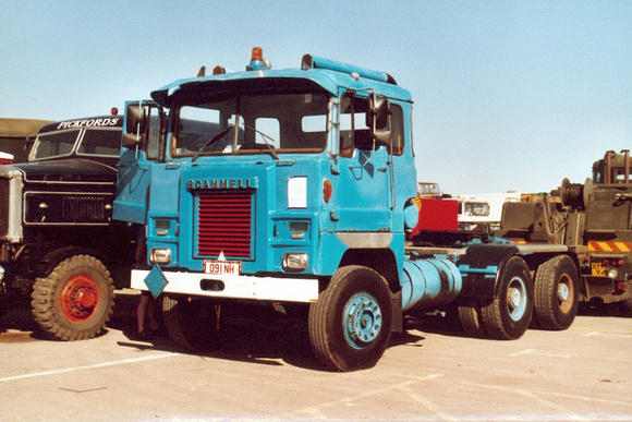 scammell_amazonqgb 091nh 1_jw